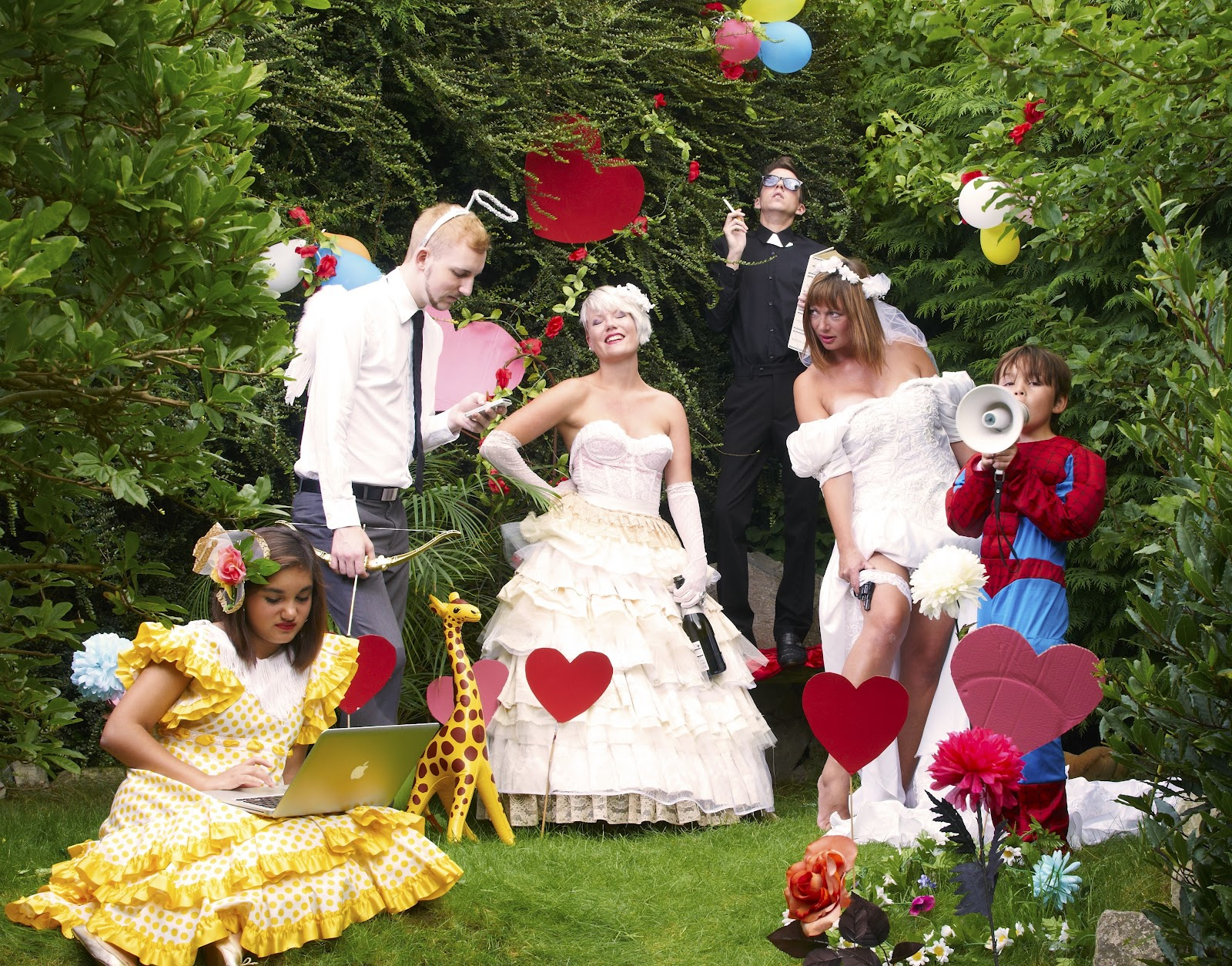KITSCH WEDDING