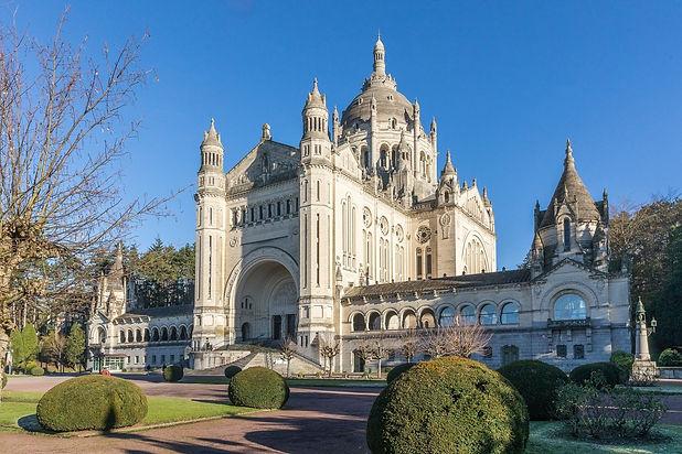 Basilique-de-Lisieux-1320x880.jpg
