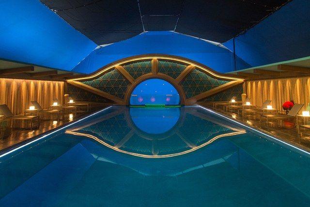 Passengers pool.jpg