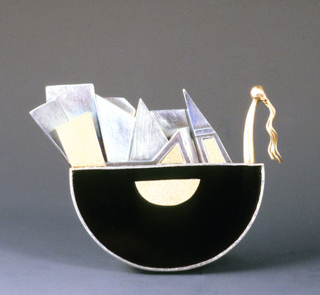 """""""Mountainscape 5"""" 2000. Silver, 14L & 18K gold, black onyx. Private collection, Seoul."""
