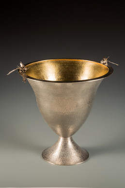 """Conversation 11"". Vessel. 2006. Silver, 14K gold."