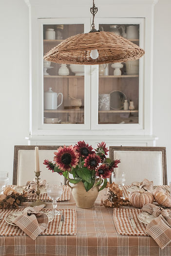 Entertaining: Setting the Table with Heather Taylor Home