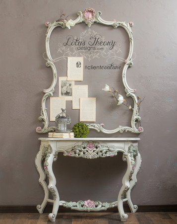 Ornate Entryway Table with Frame