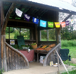 riverside-farmstand-whole-sideview