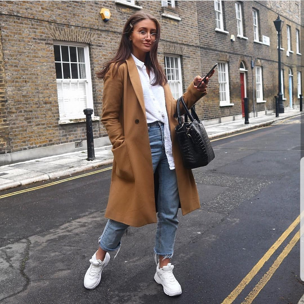 Devils Feather, Leather Handbags, Style Blog, Instagram Style, How to Dress for Work, Work Outfit Ideas, Style Diaries, Fashion Blogger, Fashion Blog, Laptop Bags for Women, Shoulder Bags, Totes, Work Bags for Women, Designer Handbags
