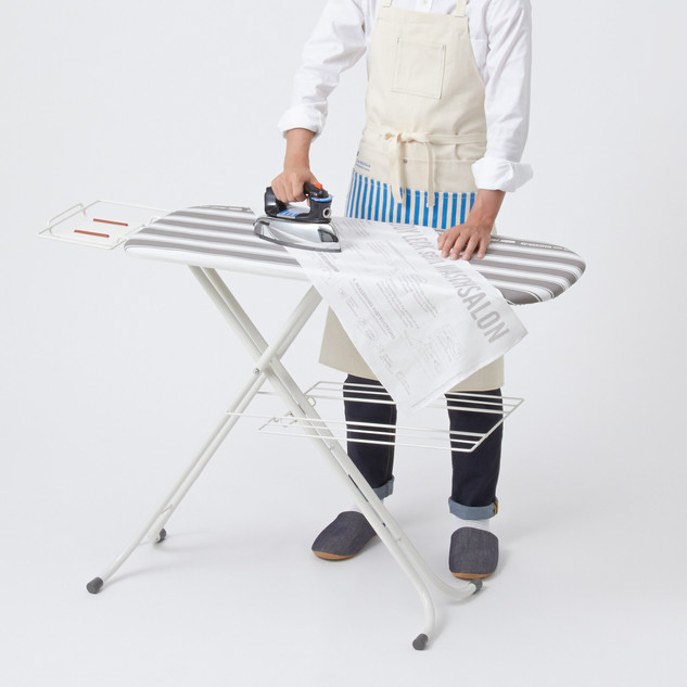 IRONING BOARD / STAND TYPE