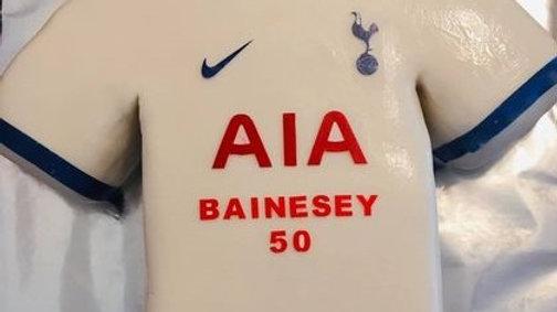 Tottenham Football T-shirt Cake