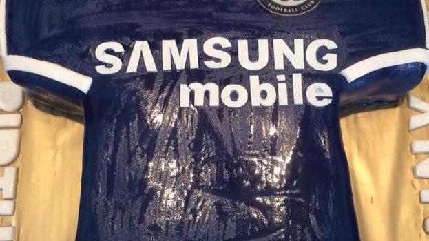 Chelsea Football T-shirt Cake