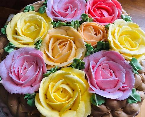 Variety rose basket cake.jpg