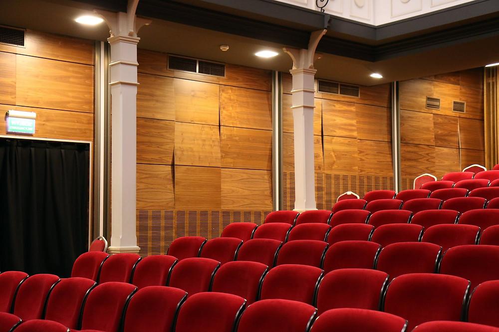 Teatro vazio. Foto: Pixabay.