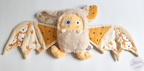 """Peluche chauve souris """" Bat-Monster"""" beige et jaune - Par Chatfildroit"""