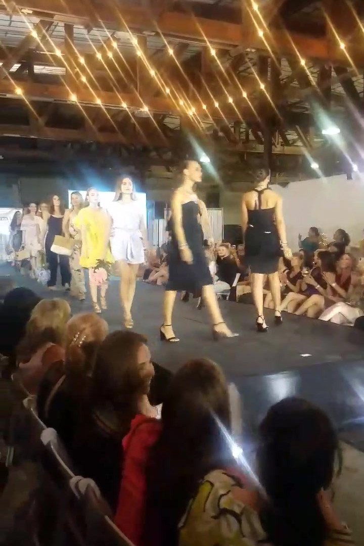 Fashion Show Vero Beach.MOV