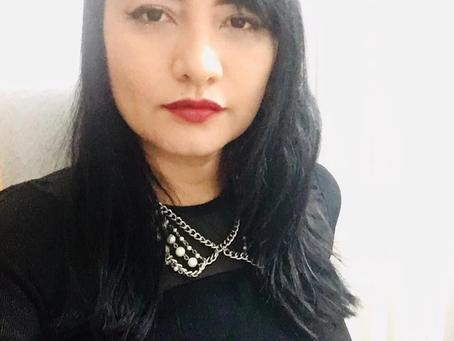 Hoy hablamos con la escritora Vanessa Ameneyro