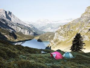 Parque de campismo nas montanhas