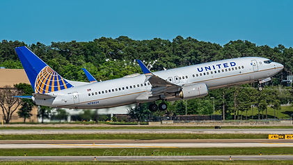 N78524_-_Boeing_737-824_-_United_Airline