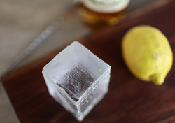Hand Cut Cube, Trou Normand.