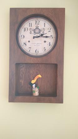 Дубовые настенные часы