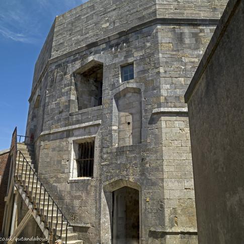 c Hurst Castle keep.jpg
