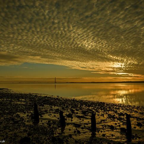 c Humber Bridge Dawn.jpg