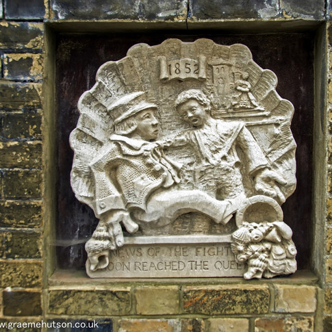 Wall plaque to1852 fight, Cowes