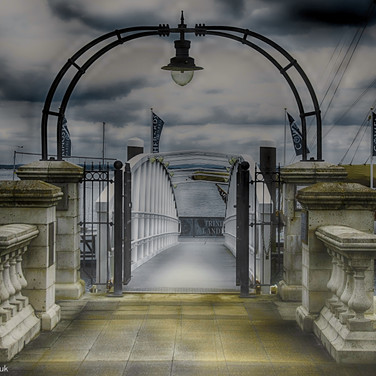 Trinity Landing Stage, Cowes HDR