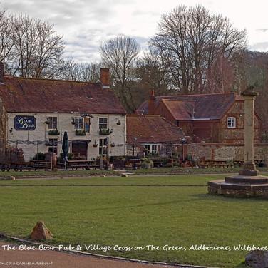 Blue Boar Pub & Village Cross, Aldbo