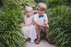 HH BOY & GIRL SITTING ON STEP
