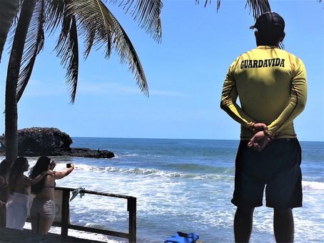 El número de Guardavidas está disminuyendo en El Salvador.