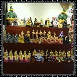 新增設阿贊晨及阿贊靈供奉型及數百尊佩戴型聖物 歡迎來本佛堂恭請及欣賞 😍😍