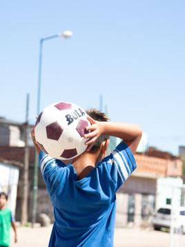 FC BOLA: Una pelota como escuela de vida.
