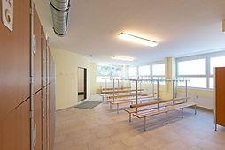 Die Herrenumkleide bei Fitness First Class in Mainz Weisenau. Dein Fitnessstudio mit professioneller Betreuung.