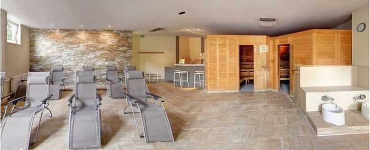 Das Sauna Erlebnis bei Fitness First Class in Mainz Weisenau. Das Fitnessstudio mit professioneller Betreuung. Sauna, Soft Dampfbad, Ruhezone und Außenbereich.