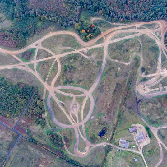auto moto parkas ralio parkas dronas.jpg