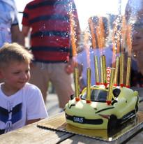 teminis vaiko gimtadienis automobiliai.J