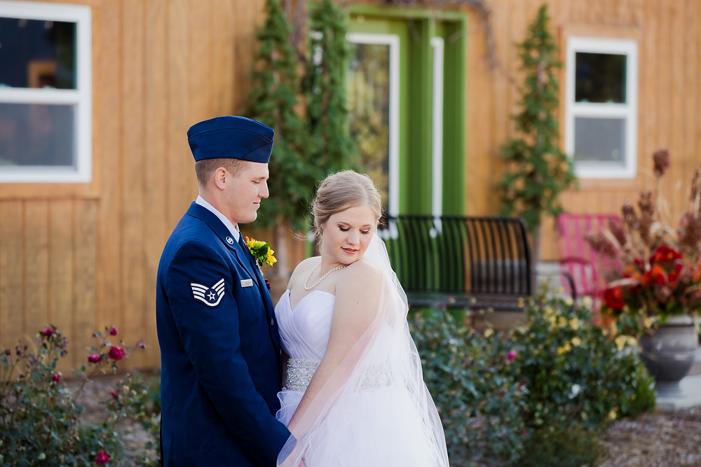 Wedding at Shiloh Vineyard & Winery, photo courtesy of Kara Hackney Photography