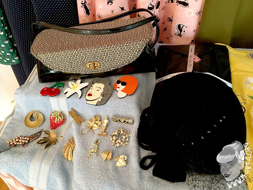 Vintage bag and some brooches from Scarlet Rage Vintage