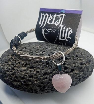 21cm - Small twisted bracelet with pink quartz heart charm (slip on)