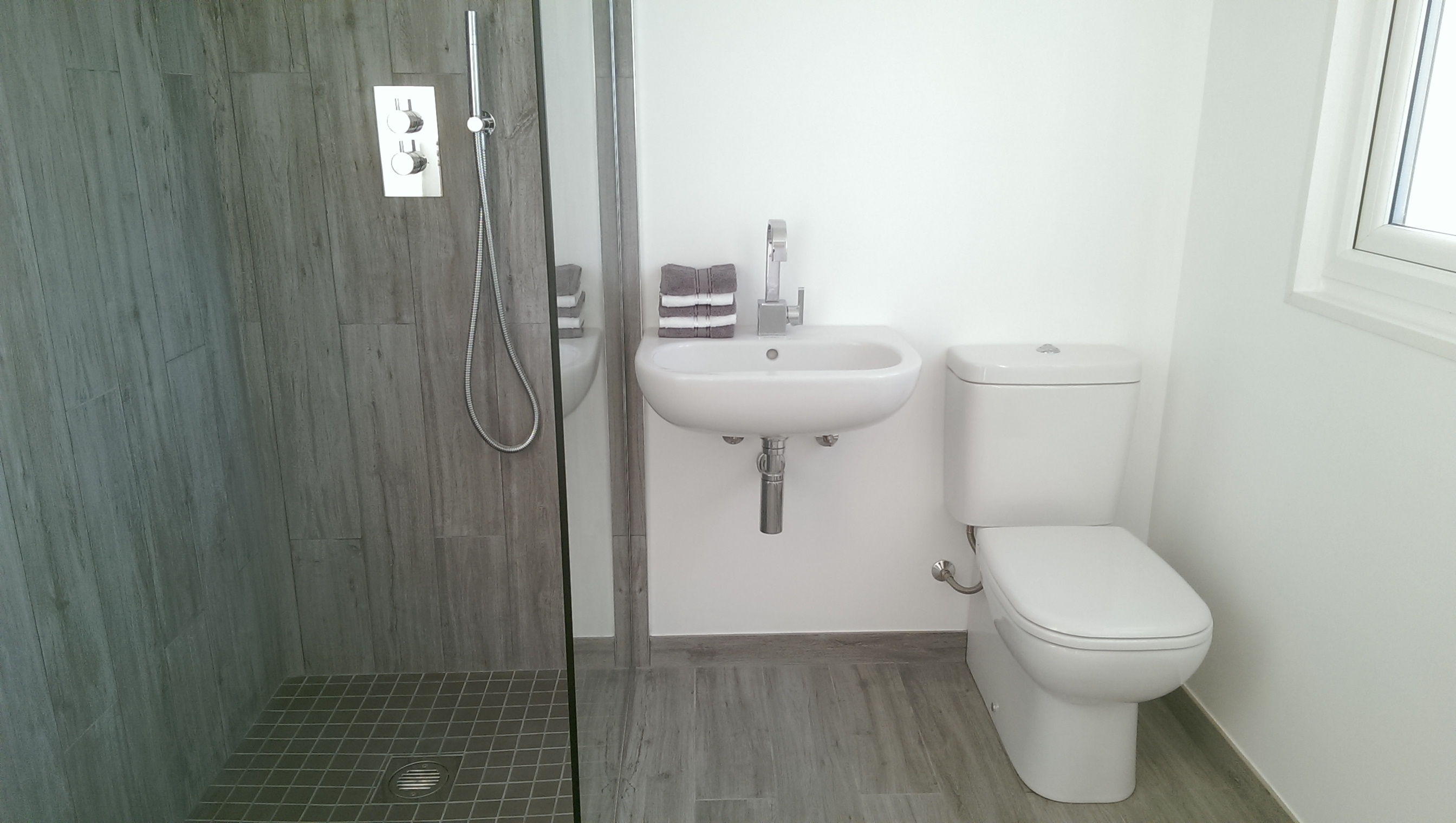 New bathroom in Raynes Park.