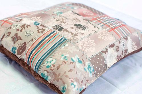 Декоративна възглавничка- с две страни
