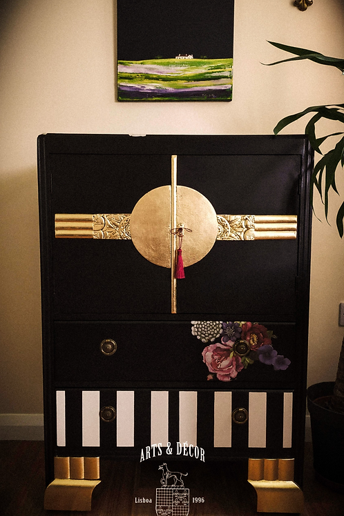 Glamour and Luxury Cabinet, vintage renovated in modern style