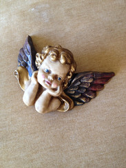 Angel in resine ready to hang