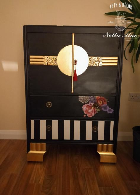 Glamour cabinet.jpg