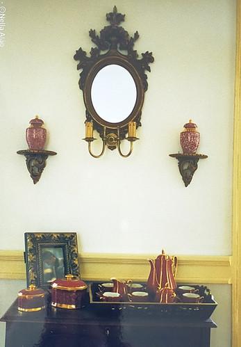pieces of decor and porcelains hand pain