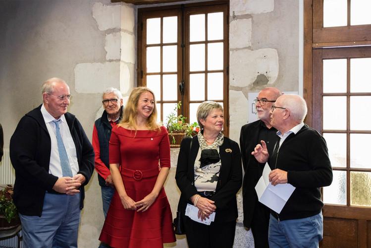 ...Alexandra Pasdquer accueillie par Jean-Pierre Barré
