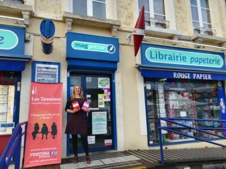 Dédicaces avec Colette, rencontrée sur le tournage du film Normandie Nue de Philippe Le Guen avec François Cluzet, et de nombreux Chicoufs qui se sont reconnus à la maison de la presse de Le Mêle sur Sarthe !