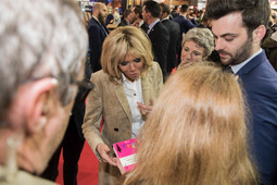 Brigitte Macron découvre Les Chicoufs