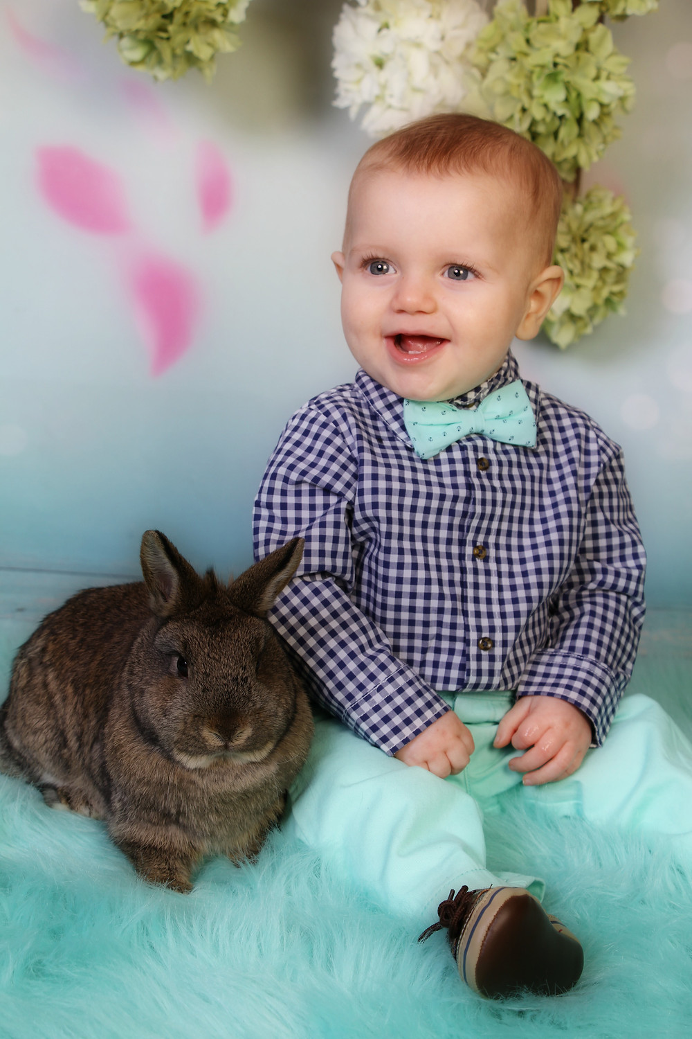 Easter Bunny sessions are now avaiable, come see the excitement and let your little ones snuggle and play with our bunnies Peter and Polly. These moments are perfect for creating memories you will treasure a lifetime.