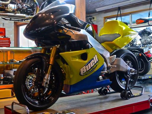 希少なバイク展示・メンテしています!
