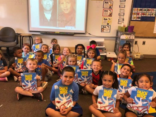Standup comic helps kids read good