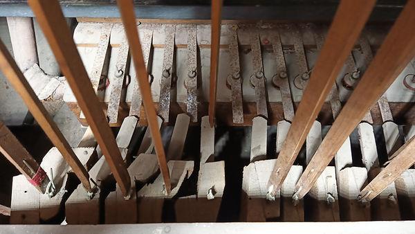 Pedal Spurden rutt Organ.jpg